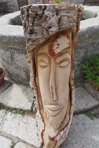 פיסול בעץ