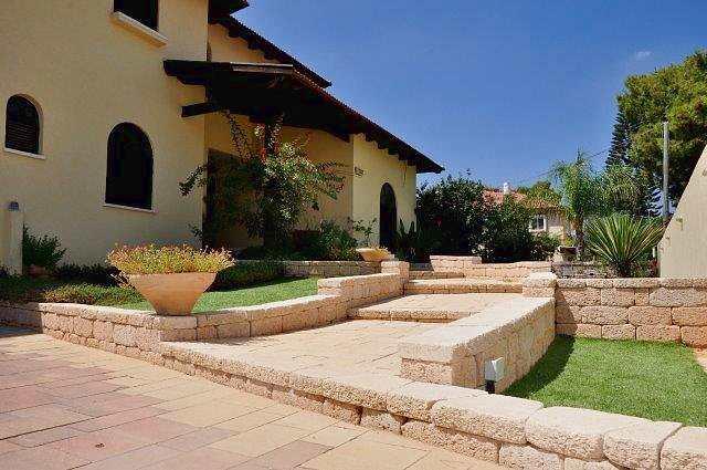 עיצוב אדריכלי של הגינה
